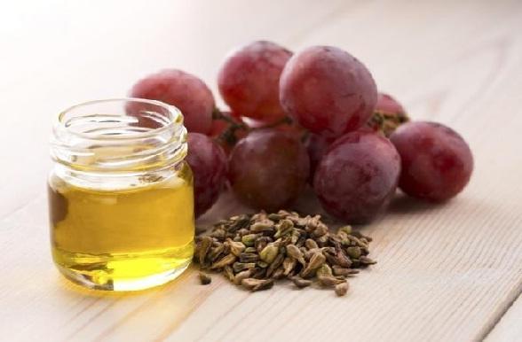 त्वचा के लिए अंगूर के बीज का तेल - Grape-seed oil to get skin tighten in Hindi