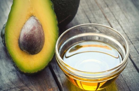 त्वचा में कसाव के लिए अवोकेडो तेल - Avocado oil benefits for skin in Hindi