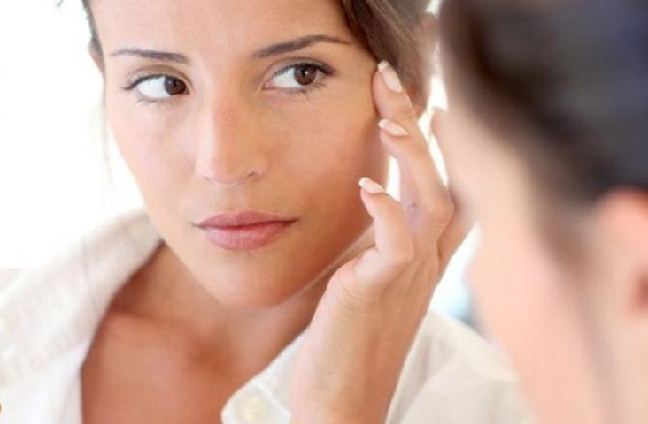 कपूर के तेल का उपयोग करे मुँहासे उपचार के लिए - Camphor Oil for Acne Treatment in Hindi