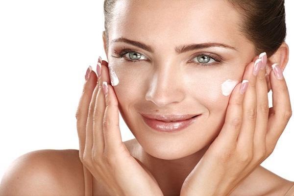 कैलामाइन लोशन है सूखी त्वचा के लिए उपयोगी - Calamine Lotion for Dry Skin in Hindi