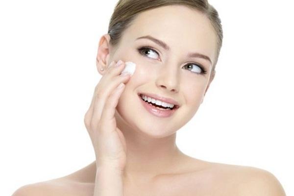 कैलामाइन लोशन के फायदे मेकअप में - Calamine Lotion for Makeup in Hindi