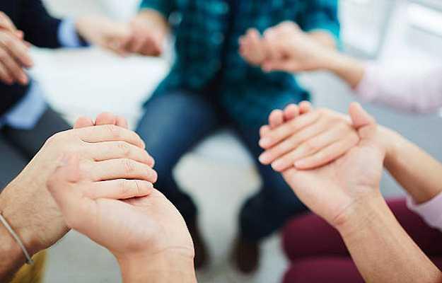 स्पर्श रखे हमेशा खुश - Touch makes you happy in Hindi